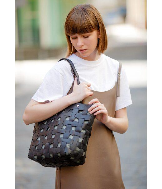 Шкіряна плетена жіноча сумка Пазл L чорна Krast - BN-BAG-33-g BlankNote